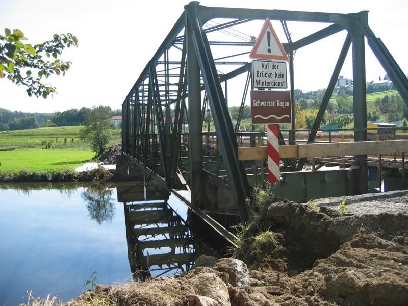 Alte Brücke abbrechen