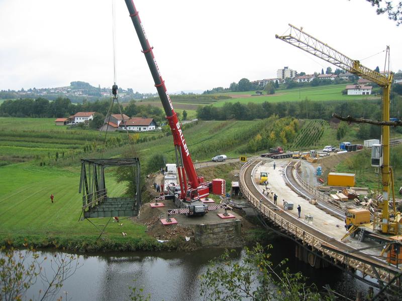 Abbruch Flußbrücke