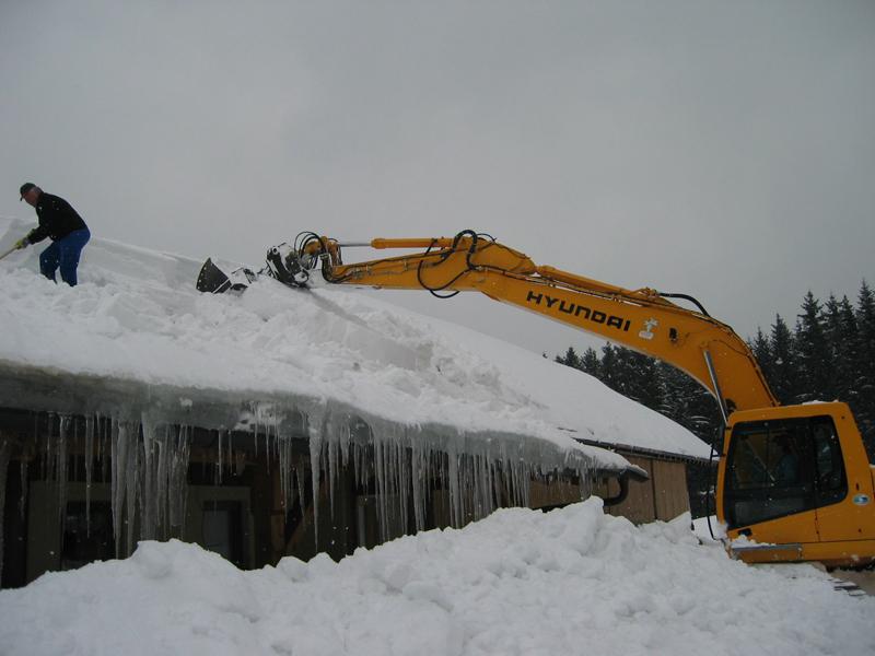 Maschinen für den Einsatz bei Schneekatastrophen Deggendorf